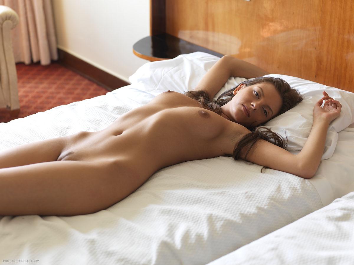 фотографируем спящих голых девушек